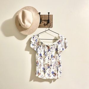 American Eagle | Cream Floral Blouse
